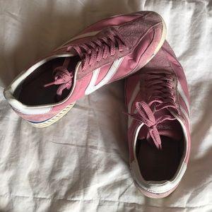Tretorn sneakers.